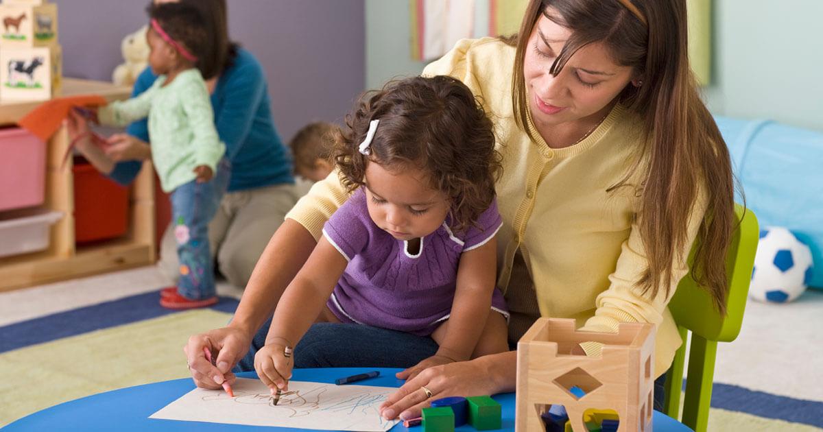 Niñeras Y Cuidado De Niños Womenshealth Gov